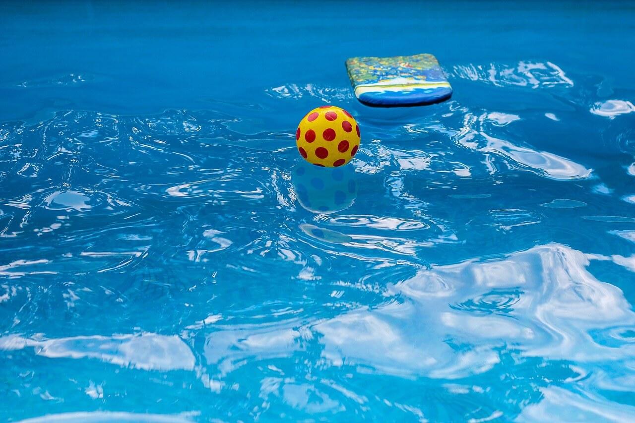 בריכת שחיה ביתית בסביון